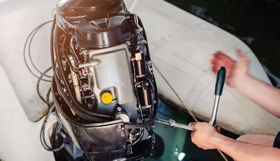 Mécanique sur bateau