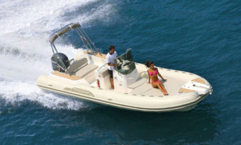Tempest 700 Secure Boat